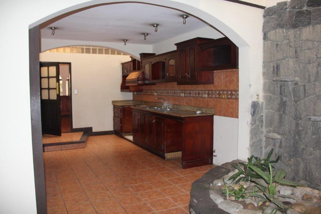 Casa independiente en Rohrmoser con piscina