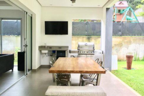 casa-moderna-4-dormitorios-precioso-condominio-5