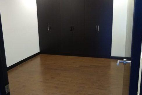 apartamento-en-escazu-de-dos-cuartos-y-sala-de-tv-cerca-de-la-paco-4