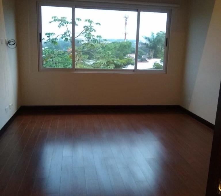 apartamento-en-escazu-de-dos-cuartos-y-sala-de-tv-cerca-de-la-paco-5