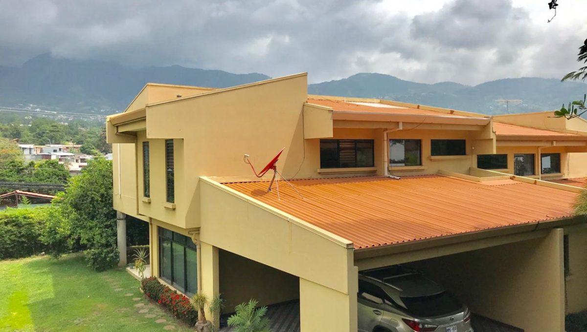 casa-independiente-en-propiedad-privada-1