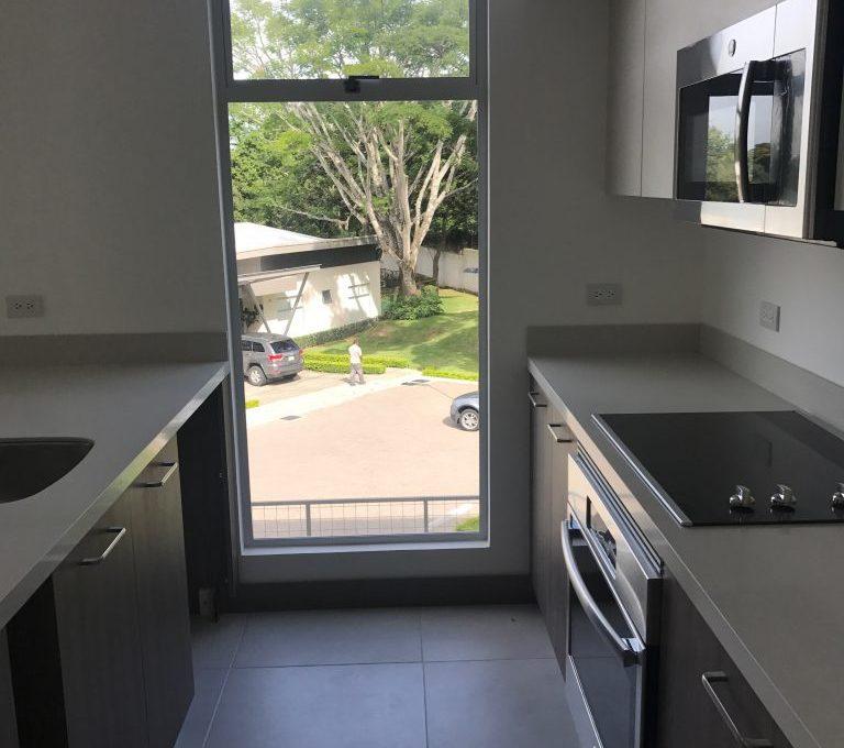 Spectacular one-bedroom-apartment-in-new-condominium-3