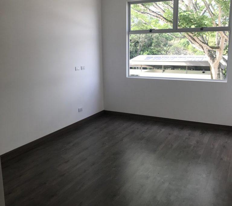 Spectacular one-bedroom-apartment-in-new-condominium-6