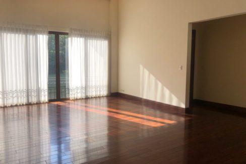 casa-4-dormitorios-oficina-visitas-villa-real-10