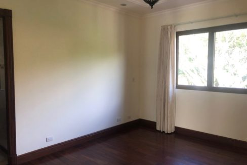 casa-4-dormitorios-oficina-visitas-villa-real-4
