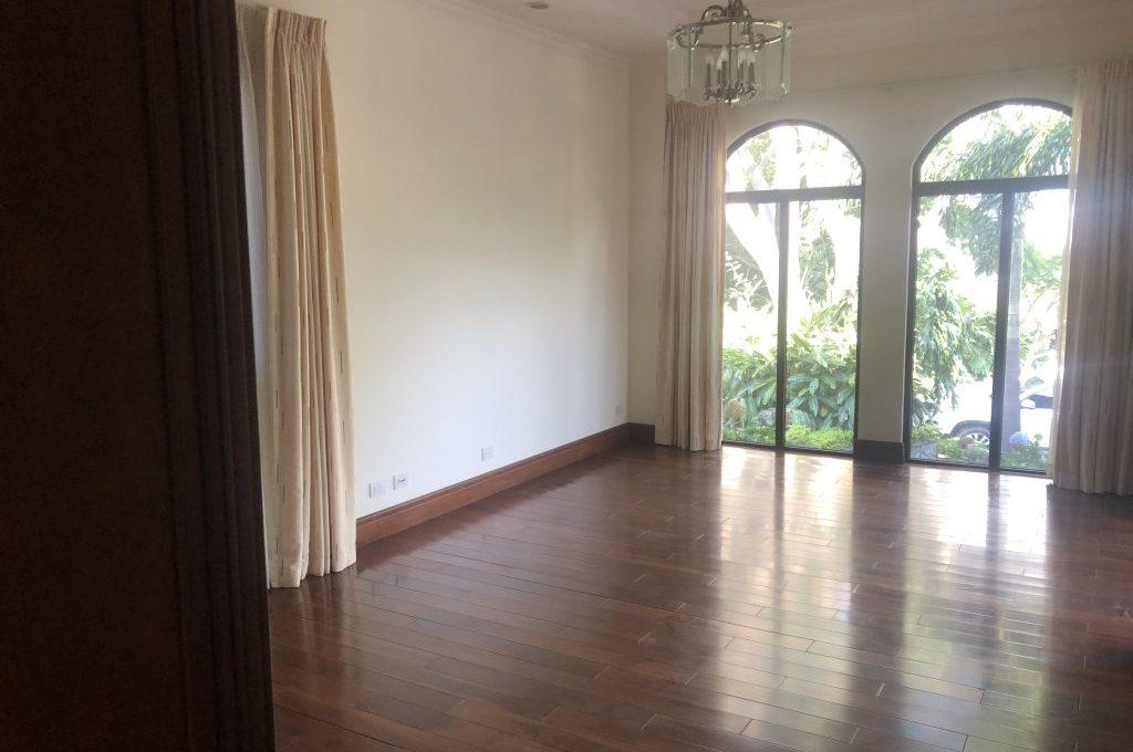 casa-4-dormitorios-oficina-visitas-villa-real-5
