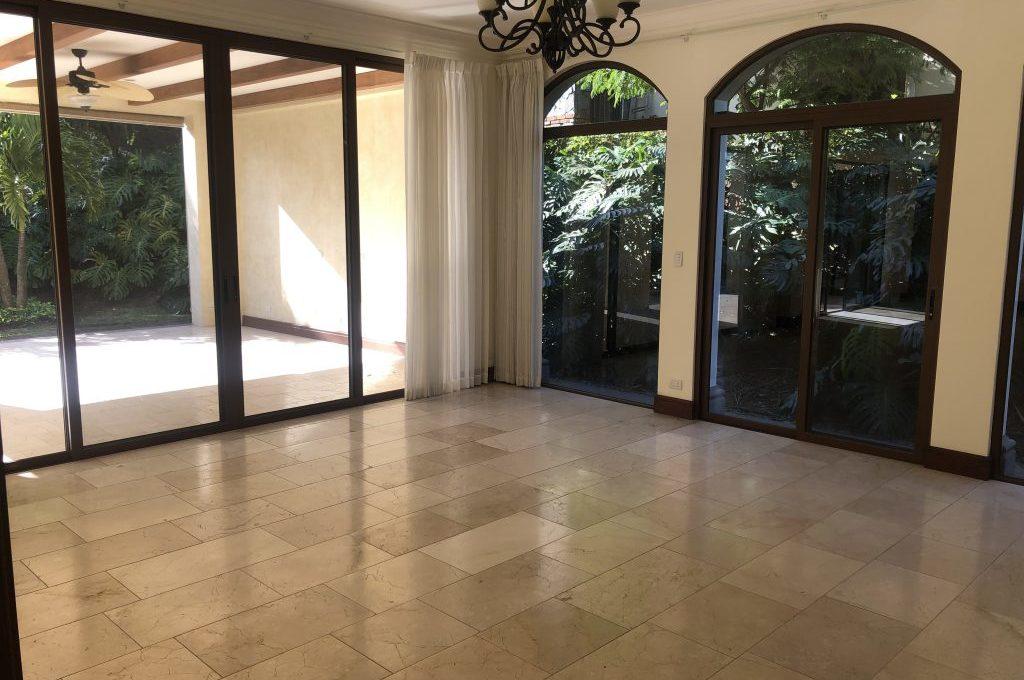 casa-4-dormitorios-oficina-visitas-villa-real-8